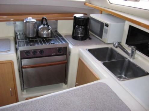 Used Sail Catamaran for Sale 2004 Leopard 47 Layout & Accommodations
